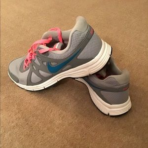 Nike Womens Revolution 2 Running Shoes  size 10